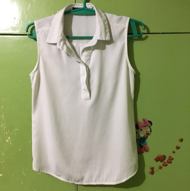 Sleeveless white by Woman