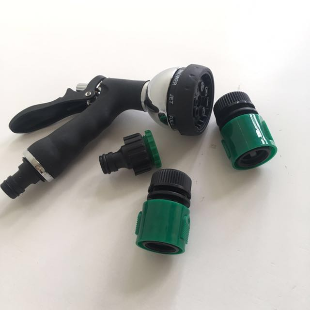 Spray Nozzle with Connectors