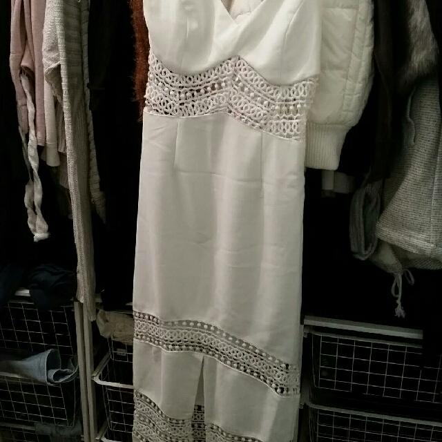 Stunning Lace Showpo Dress Midi White