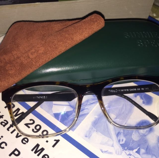 Sunnies specs Eyeglass