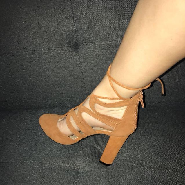 Tan tie up heels