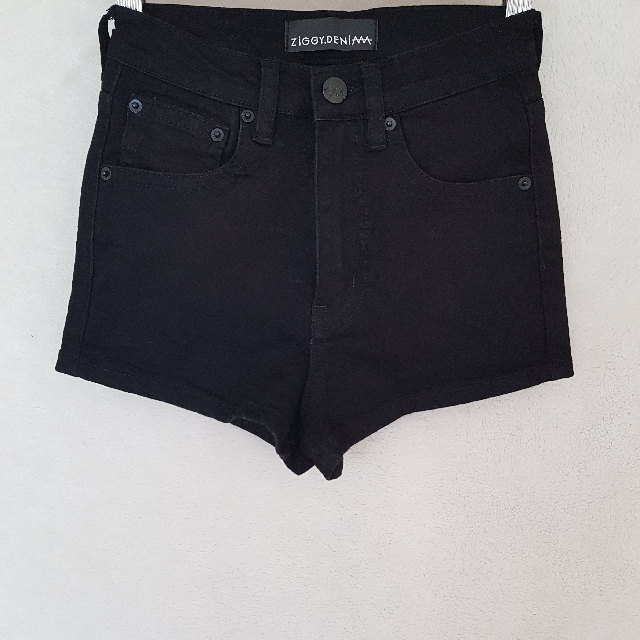 Ziggy Denim Shorts • Size 24
