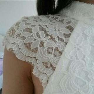Size 6 Lace Turtleneck Bodycon Dress