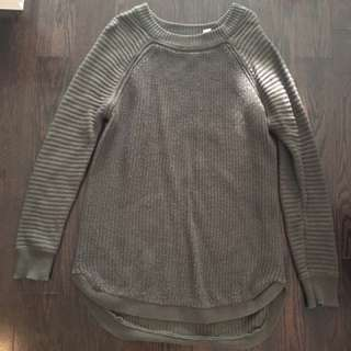 M sweater - size medium - dark green.