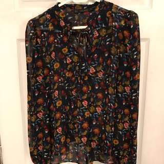 Printed tie front blouse size small