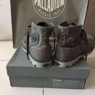 palladium pampa hi grey size 43