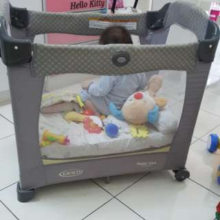 Graco travel size playpen
