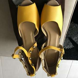 BNIB BONIA Leather heels
