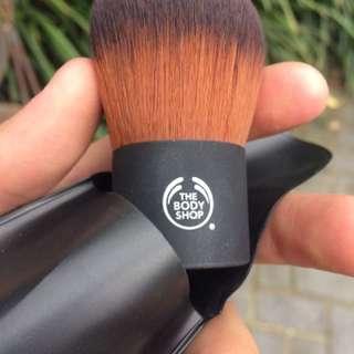 The body shop makeup powder puffer brush