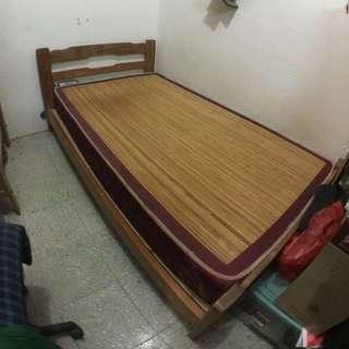 實木單人床架(可含床墊)