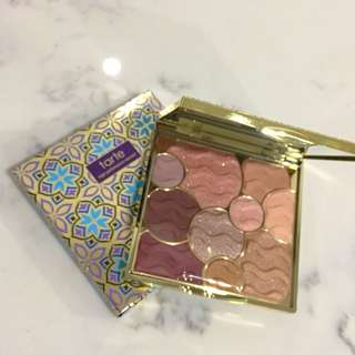 Limited edition tarte 2017 holiday eyeshadow pallet