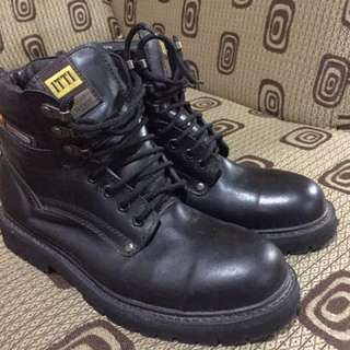 ITTI Boots mid-cut steel toe very fashionable