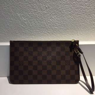 Louis Vuitton monogram wristlet / pouch (part of neverfull)