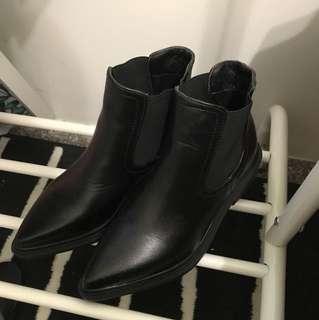 ⚫️黑色尖頭靴
