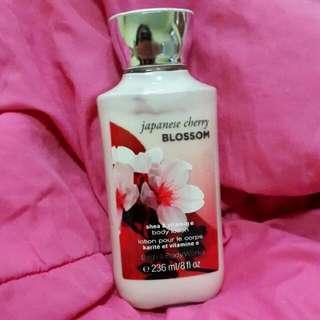 Bath & Body Works Shea & Vitamin E Body Lotion 236ml Japanese Cherry Blossoms