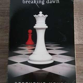 Breaking Dawn - Twilight Series English Vers