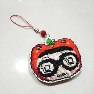 Gantungan Handmade Apple Nerd Happy Day Cross Stitch