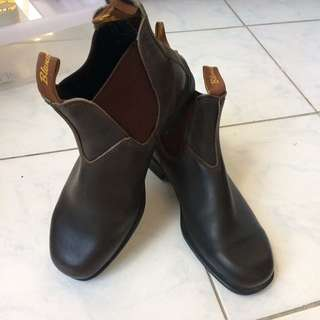 Blundstone boots (australian brand)