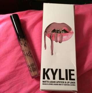 Kylie Jenner Lipstick (Moon)
