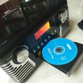 retro lp record player with cd playbank and fm am radio