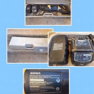 Rona saw with case, great condition