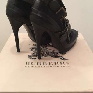 Burberry ankle boots with heels