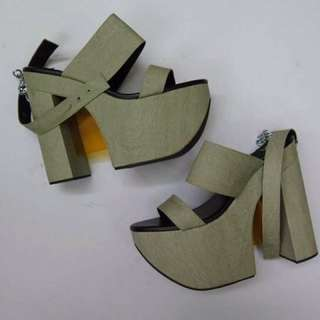 Golddot Heels