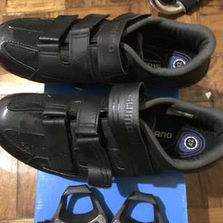 Bike shoes with cleats