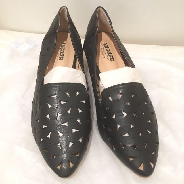 黑色花雕樂福鞋