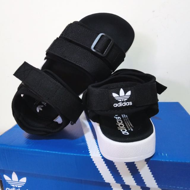 Adidas魔鬼氈涼鞋