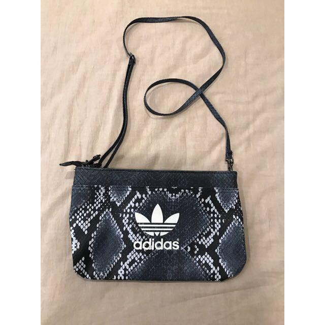 Adidas originals 包包