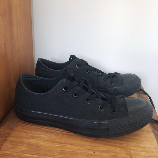 Black Low cut Converse sneakers