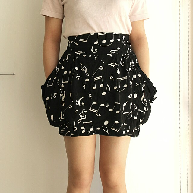 black shakuhachi music bubble skirt with pockets sz8