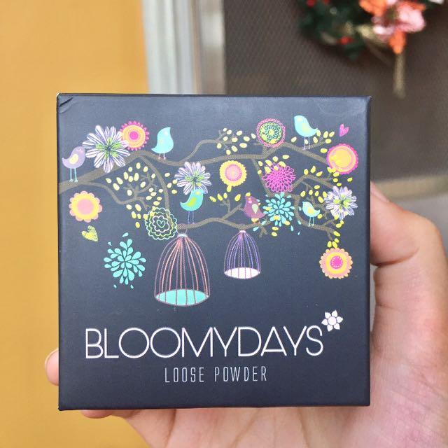 Bloomy Days Loose Powder 22