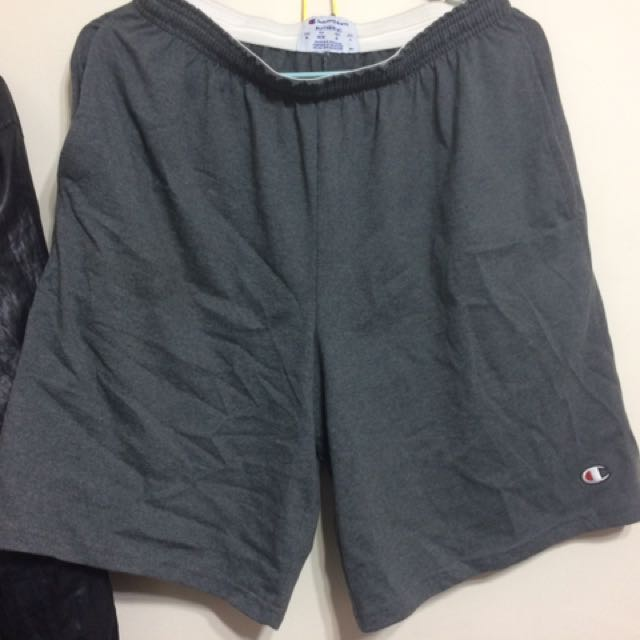 Champion短褲 m