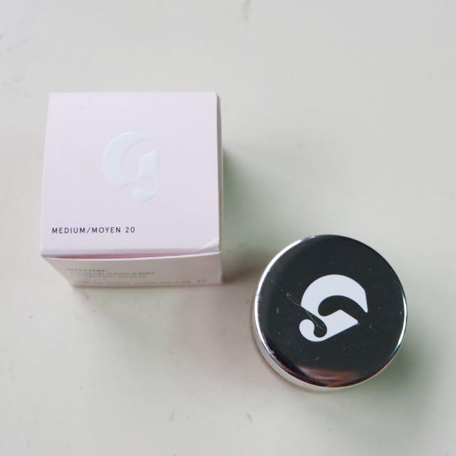 Glossier's Stretch Concealer in Medium