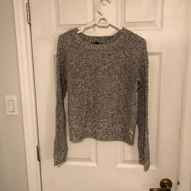 Knit sweater size small