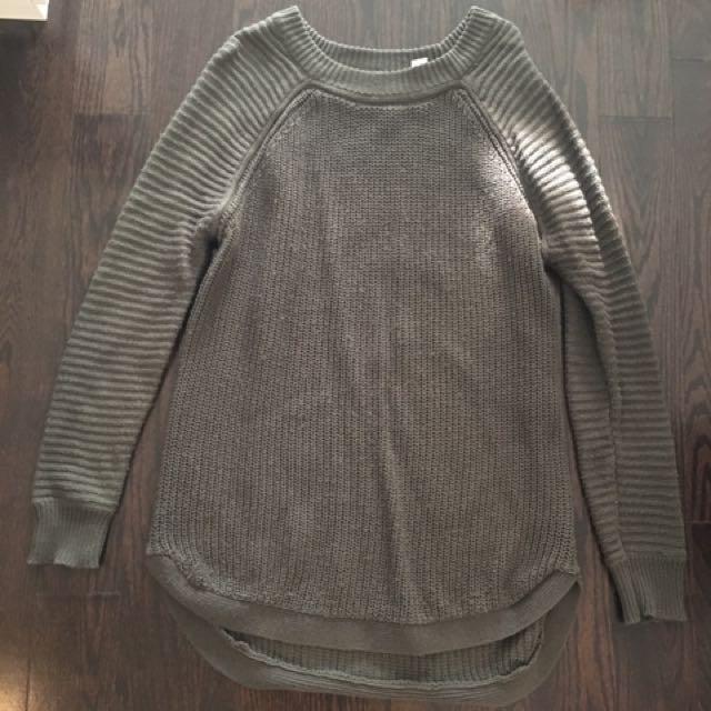 M sweater - size medium - dark green.