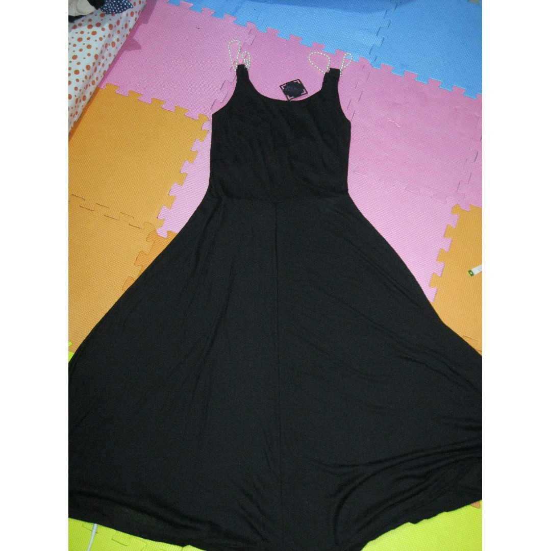 MAXI BLACK DRESS WITH PEARL STRAP