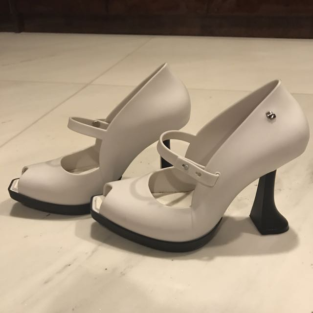 MELISSA SHOES X KARL LAGERFELD
