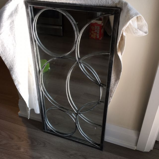 Metal Frame Decorative Mirror