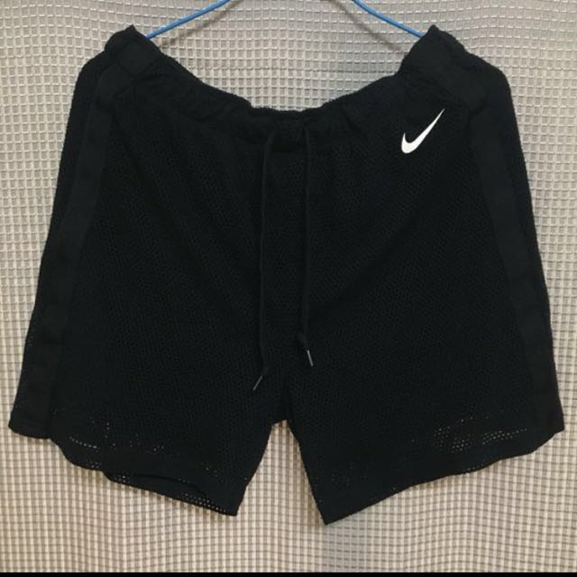 Nike 透氣運動短褲 黑色 M號