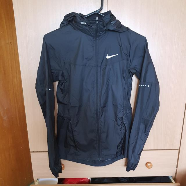 Nike Black Hooded Spray Rain Jacket