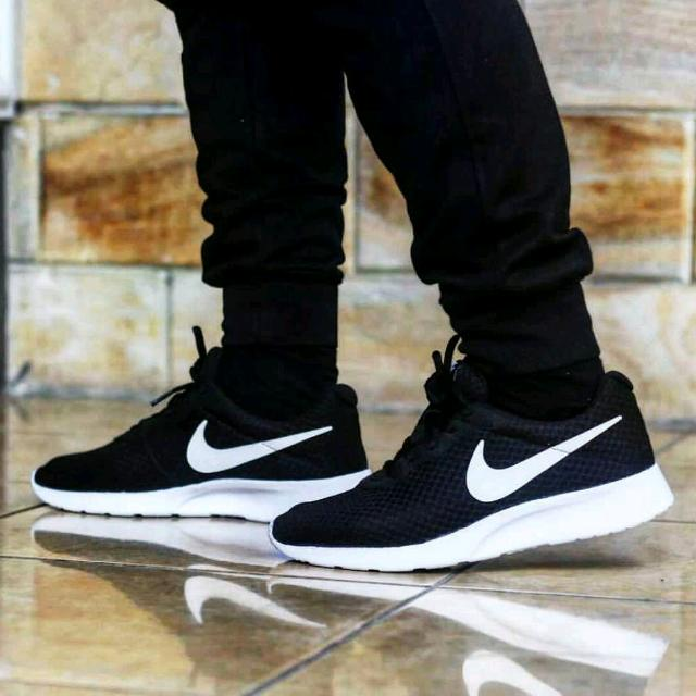 the latest 81eb2 1dfd3 Nike tanjun black white original, Men's Fashion, Men's Footwear on Carousell