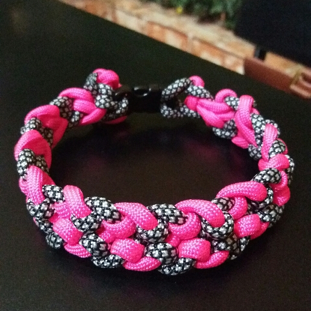 Paracord Bracelet - unique colors