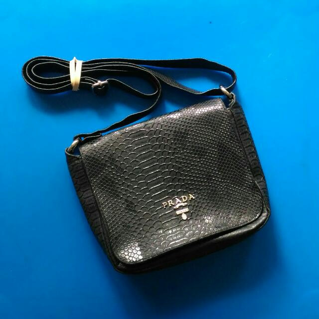 SALE! Prada-inspired Sling Bag (Black)