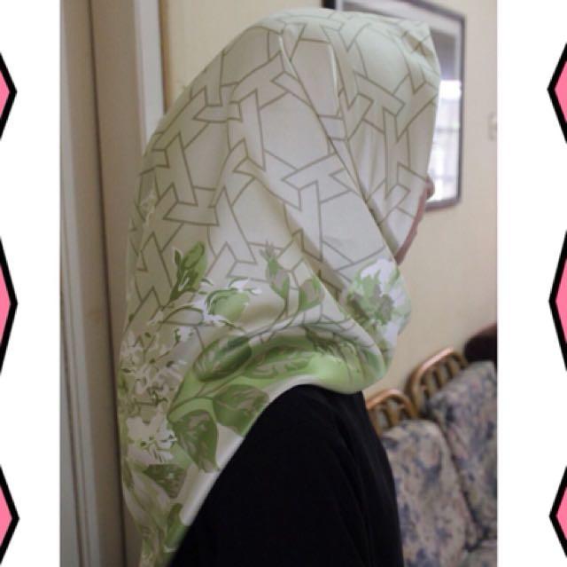 Premium Scarf ( Hijab Print Maxmara )