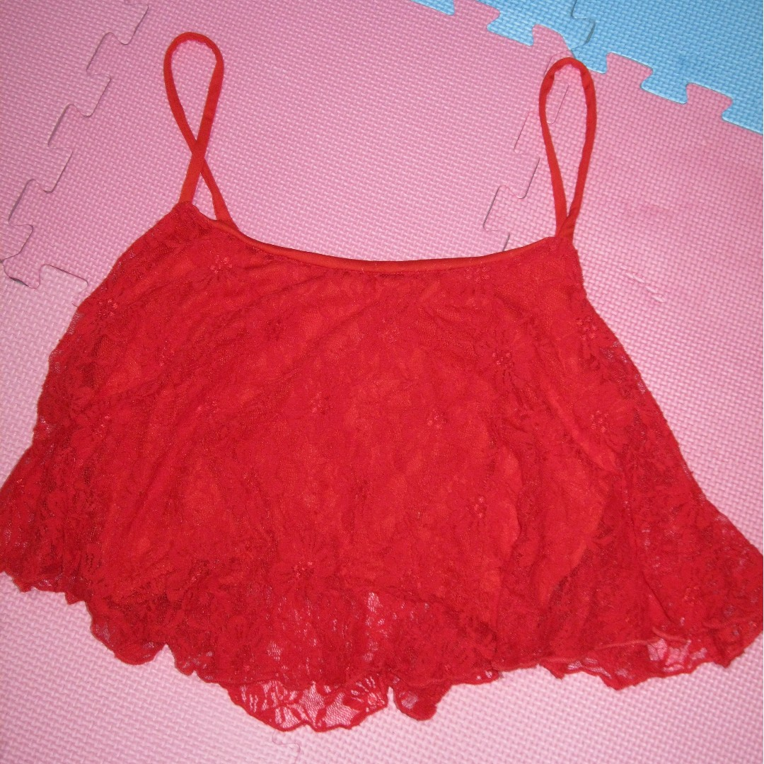 RED LACY TOP