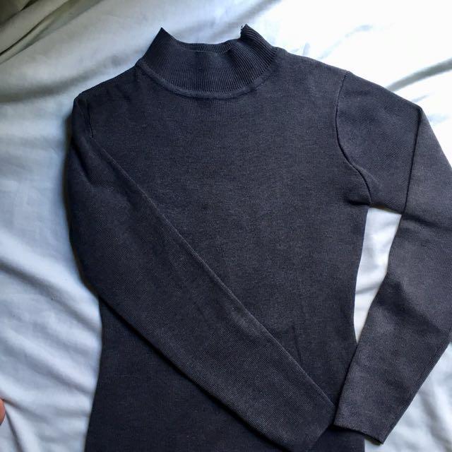Semi turtle neck long sleeve dress