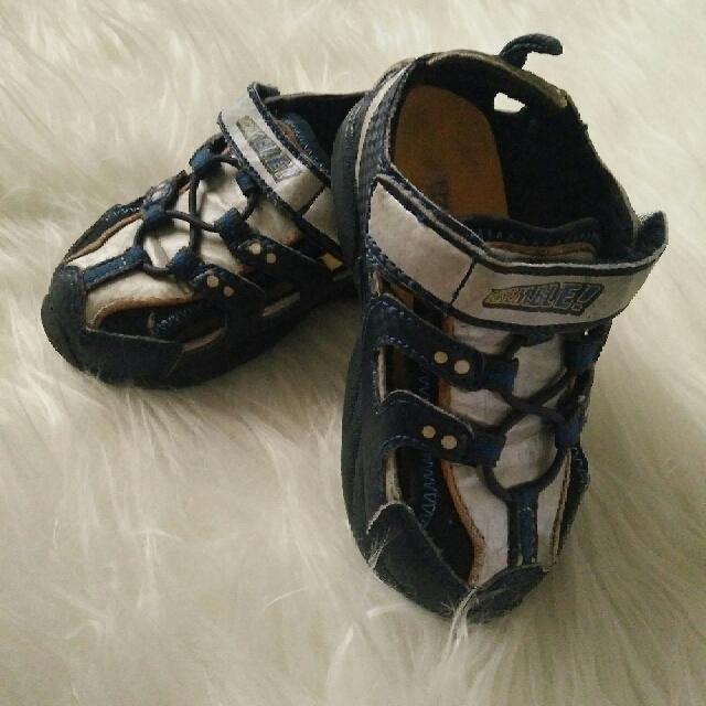 Sepatu Sendal Marvel